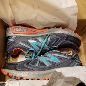 New Balance Trail Running Shoes Size 10 B